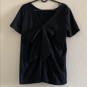 Black tee with bow detail